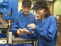 Apprentissage : Paris recrute 500 jeunes du CAP au master